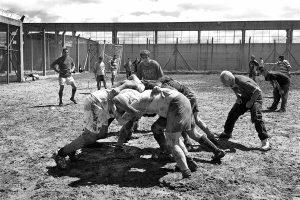 Quieren clases de rugby para presos de Bouwer