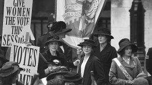 Tertulias feministas en pleno Güemes