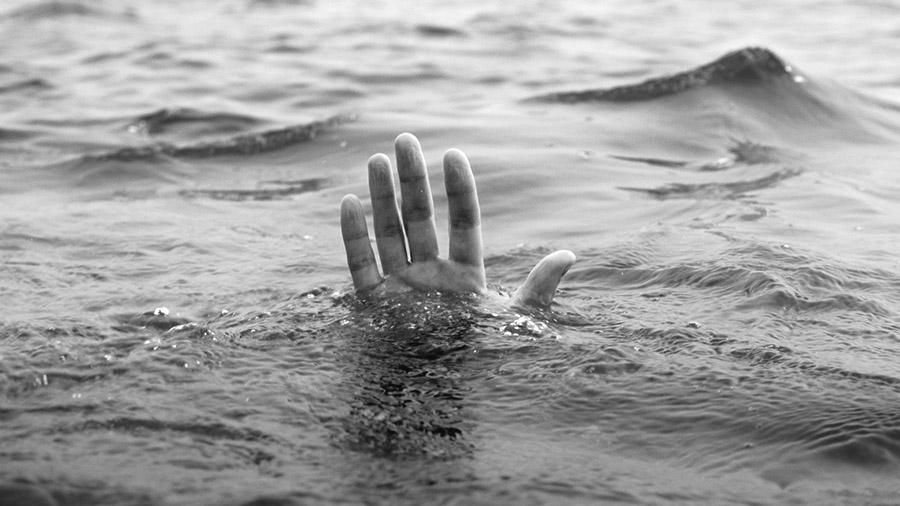 La marea y el derrame