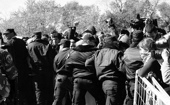 Represión en el bloqueo. 2013. Foto: Colectivo Manifiesto.