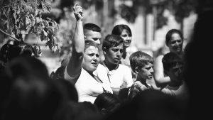 Protestan contra recortes en comedores y copas de leche