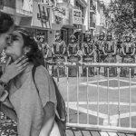"Convocan a ""besazo masivo"" para repudiar lesbofobia policial"