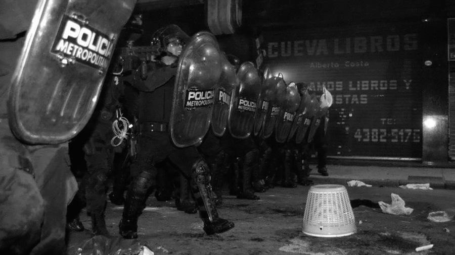 policia-metropolitana-cobani-alberdi-asesinos-represion