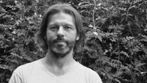 Las rutas de la memoria en Viaje de Omar, de Adrián Savino