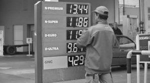 Un conflicto impensado entre el gobierno y las petroleras por el congelamiento de las naftas