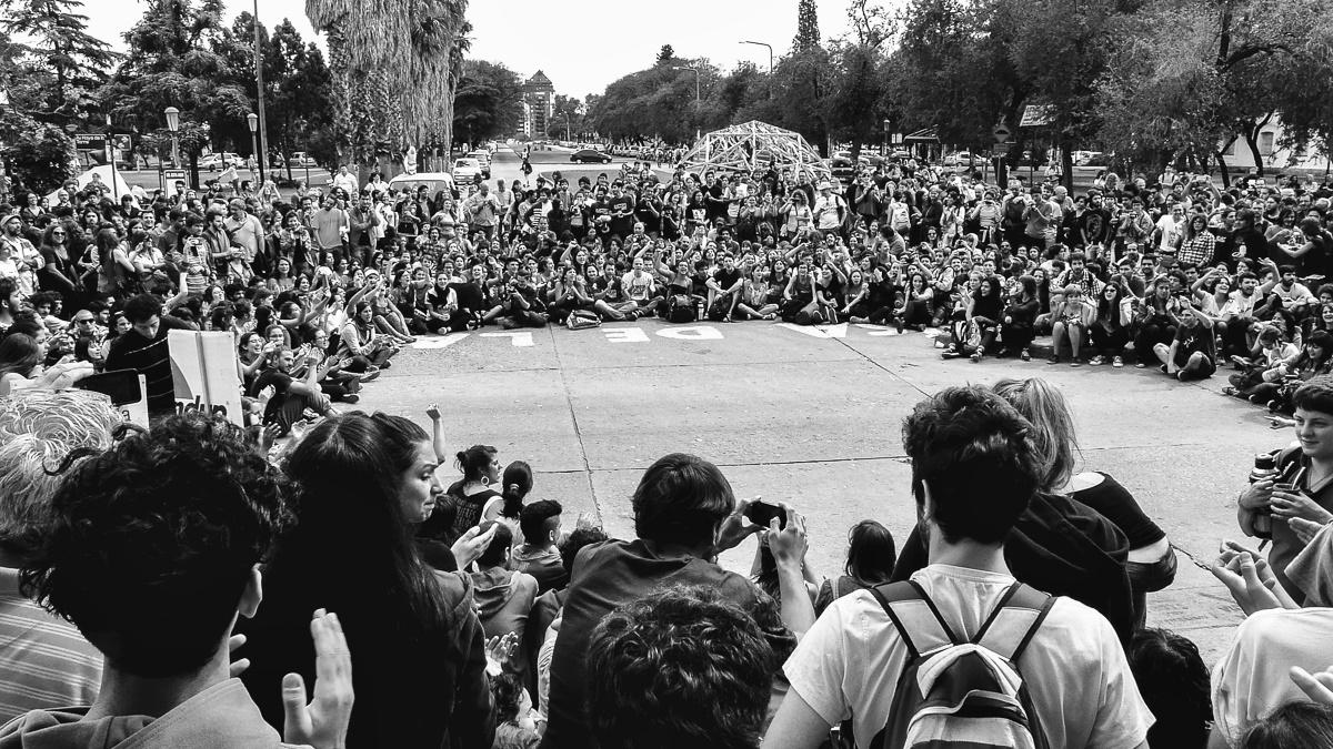 Casi 200 consejeros piden la suspensión de la Asamblea Universitaria