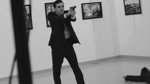 ¿Quién está detrás del asesinato del embajador ruso en Turquía?