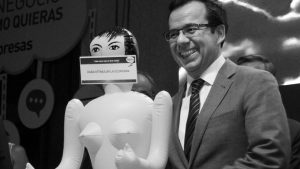 Chile, el país de la muñeca inflable