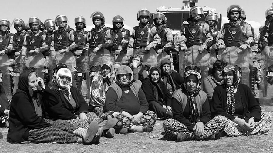 kurdas-revolucion-mujeres-confederalismo
