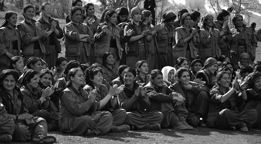 kurdas-revolucion-rojava-marca-el-camino