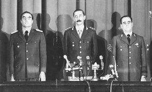 Detrás del golpe militar, el silencio complaciente de muchos civiles