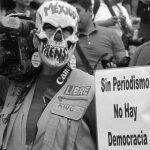 """México: """"¡La verdad no se calla, ni con muertos ni con balas!"""""""