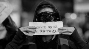 """La performance """"agresiva"""" contra la dignidad de la mujer, ¿el patriarcado no?"""