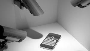 """""""El Imperio de la Vigilancia"""": la batalla por los derechos cívicos en la era digital"""