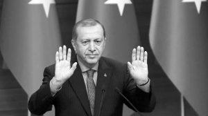 """Ayse Berktay: """"Erdogan tiene más poder, pero no es más poderoso"""""""