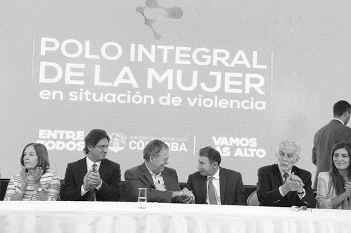https://s3-sa-east-1.amazonaws.com/latinta.com.ar/wp-content/uploads/2017/07/14150708/Polo-de-la-Mujer-Cordoba-condiciones-laborales-02
