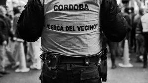 Grave denuncia contra un policía en José de la Quintana