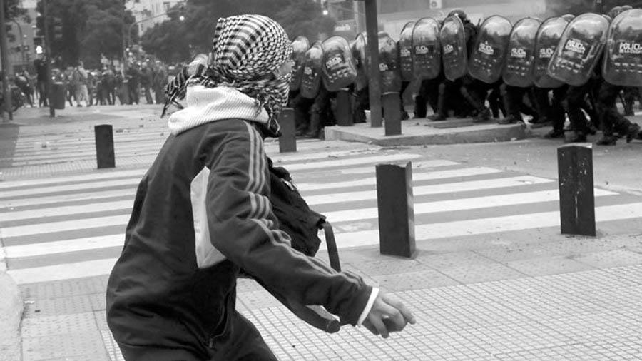 elogio-de-la-protesta-barricadas-1