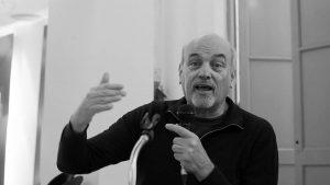 """Raúl Zibechi: """"La derecha gana porque la izquierda abandonó el campo de batalla"""""""
