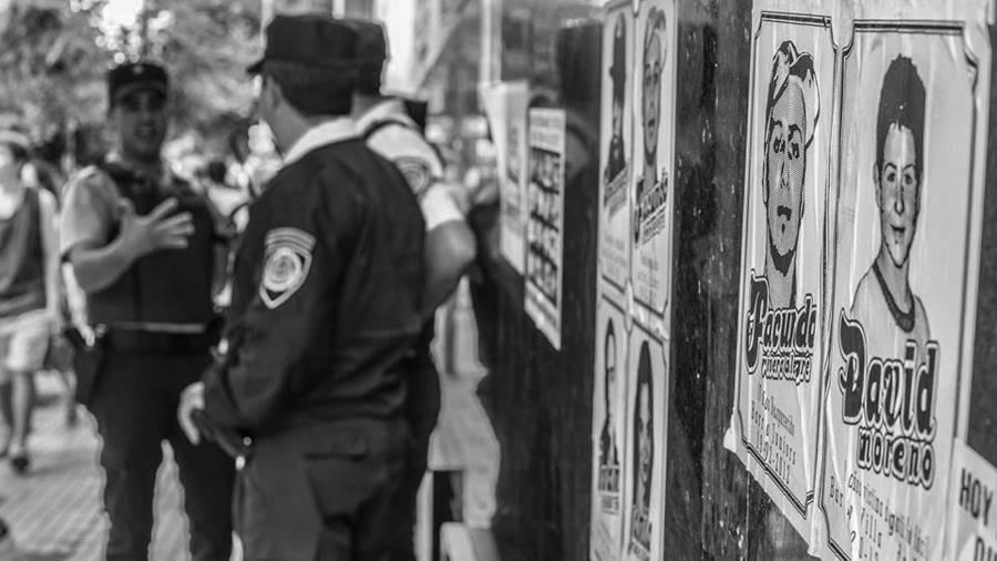 Policia-Gatillo-Facil6