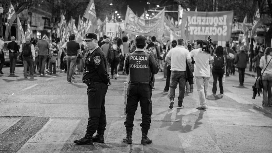 Un-mes-sin-Santiago-Colectivo-Manifiesto-Policia-protesta-social-01