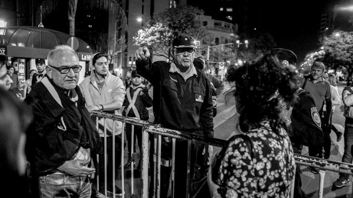 Un-mes-sin-Santiago-Colectivo-Manifiesto-Policia-protesta-social-02