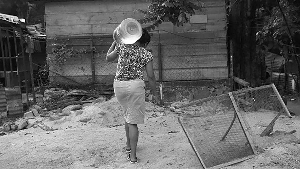 acuifero-guarani-mujer-agua-guerras.jpg