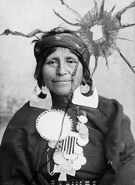 indios-trucho-indigena-pliricultural-territorio