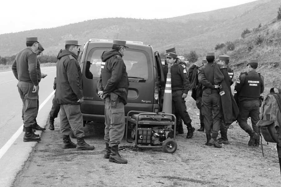 El-Bolson-policia-militar-Santiago-Maldonado-03