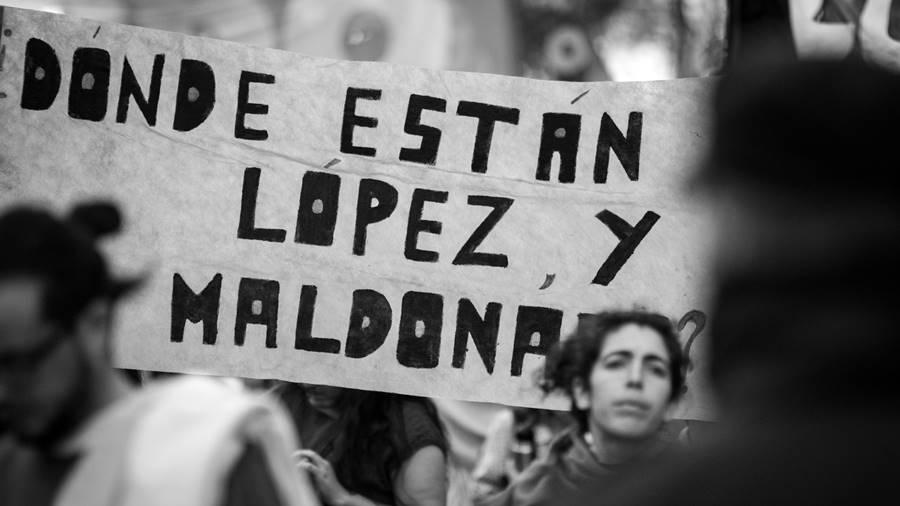 desaparecidos-democracia-luciano-santiago2