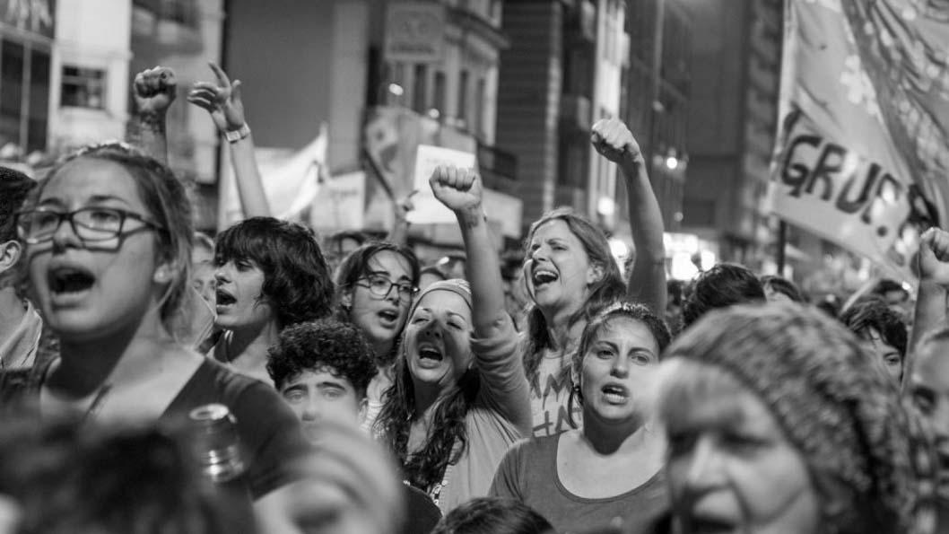 25-noviembre-marcha-mujeres-feminismo-uruguay-rebelarte-01