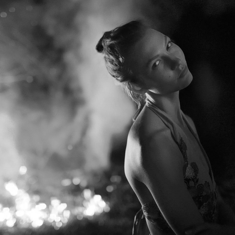 Mujer-Fuego-Ryan-Mcginley