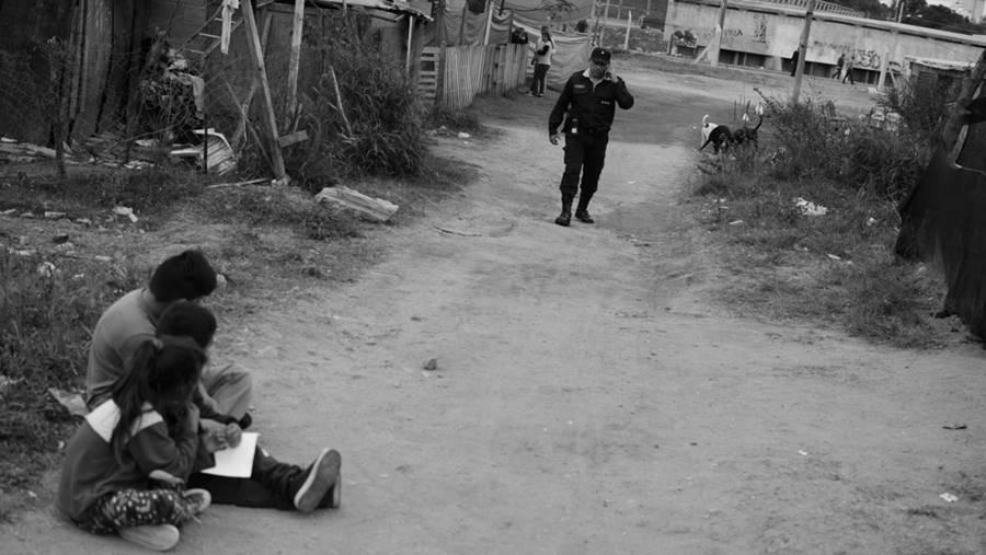 engorramiento-barrio-policia