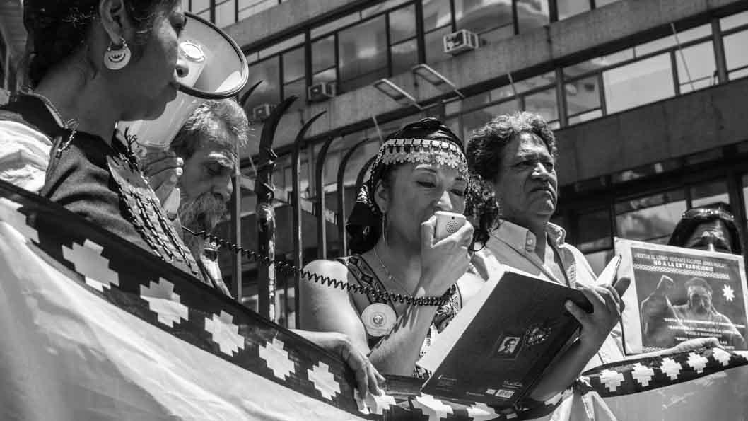 Quilomba-Pueblo-mapuche-originario-Moira-Millan-marcha