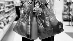 Comercios de Mina Clavero ya no entregan bolsas de plástico
