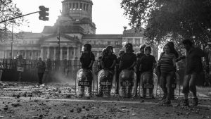 Furia, represión y tristes recuerdos de diciembre