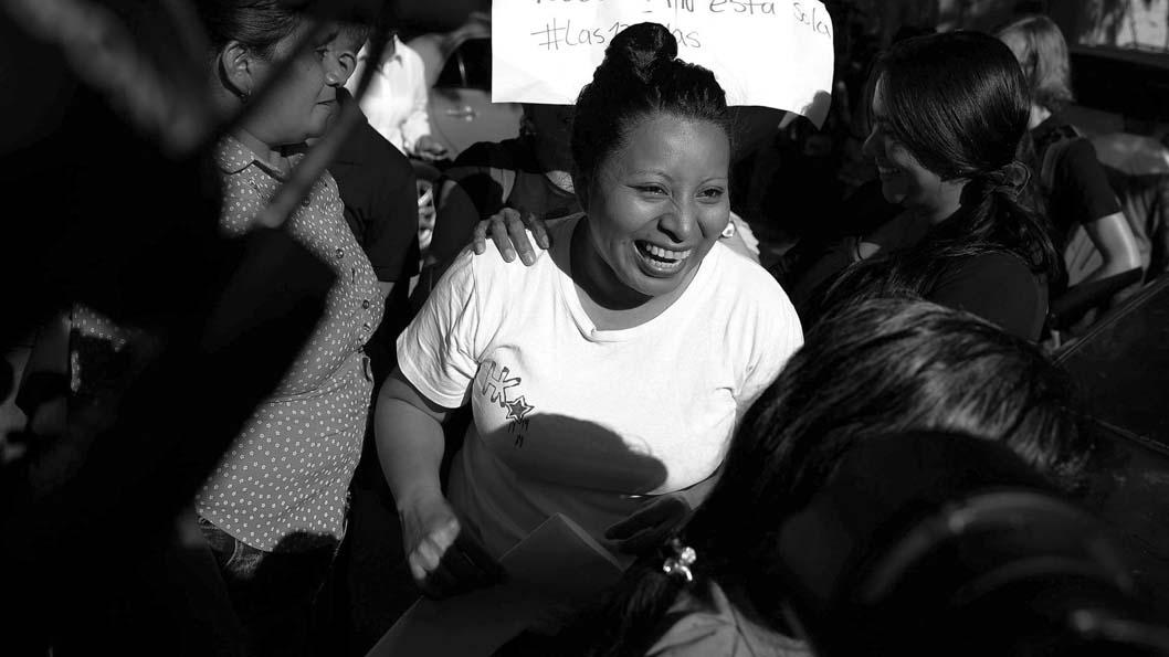El Salvador deja en libertad a condenada a 30 años de prisión