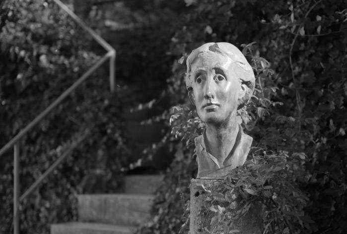 Virginia-Woolf-literatura-feminismo-mujeres-escritora-02-estatua