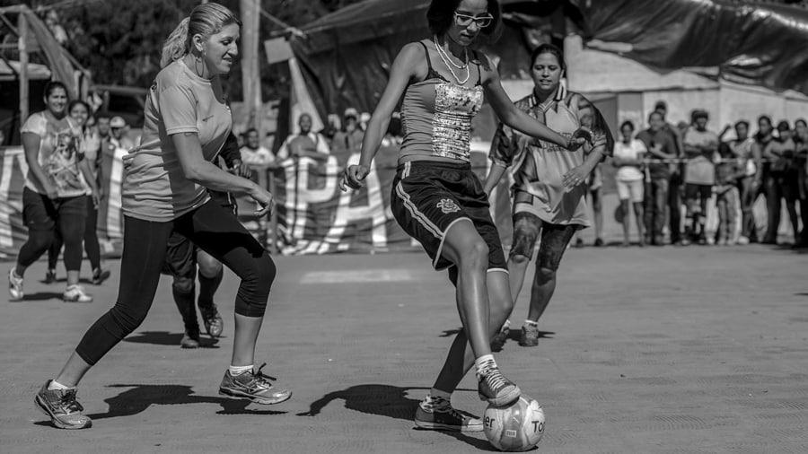 copa-povo-brasil-Oliver Kornbliht-Midia-NINJA-mujeres-futbol