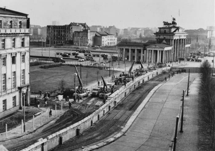 Muro-Berlin-capitalismo-01