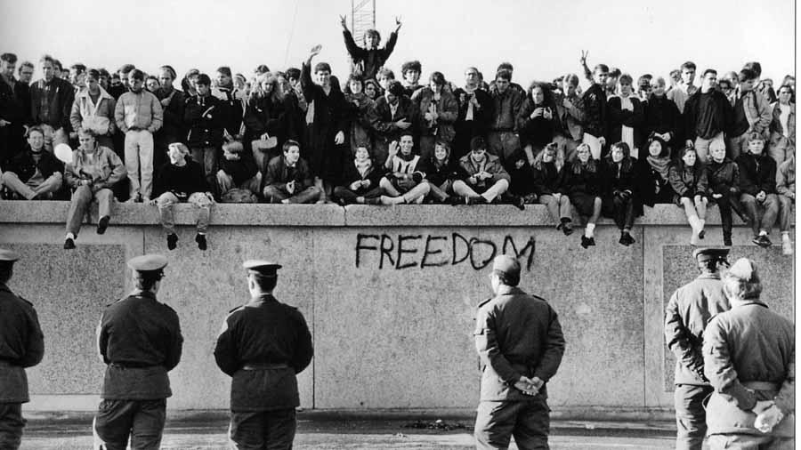 Muro-Berlin-capitalismo-04