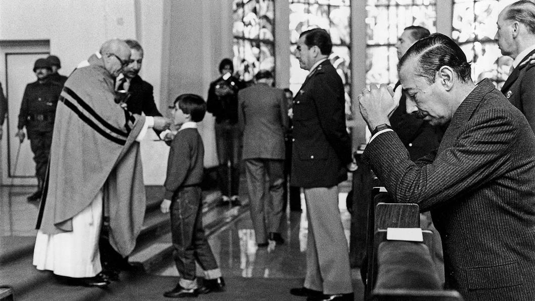 iglesia-dictadura-eduardo-longoni