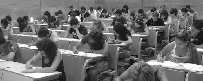 universidad-alumnos-aula-estudiantes-03