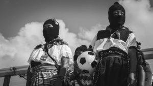 Zapatistas: la pelota en los pies y la revolución en el pecho