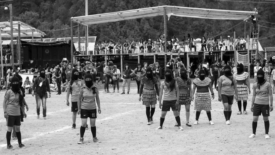 zapatistas-encuentro-mujeres-futbol3