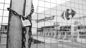 Carrefour: peligran miles de puestos de trabajo