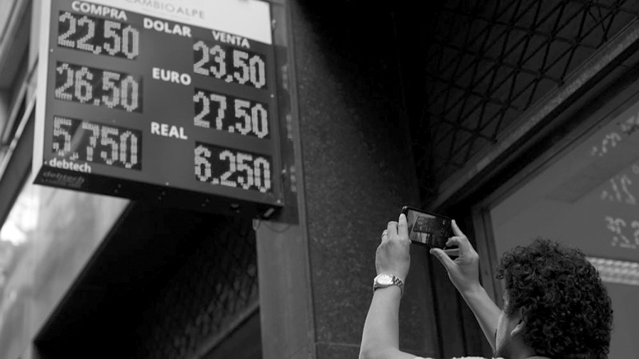 dolares-ajuste-economia-reforma-dujovne-devaluacion-trabajadores-23