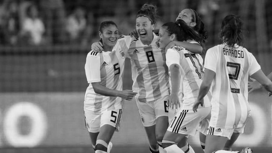 seleccion-futbol-femenino-mujeres-argentina