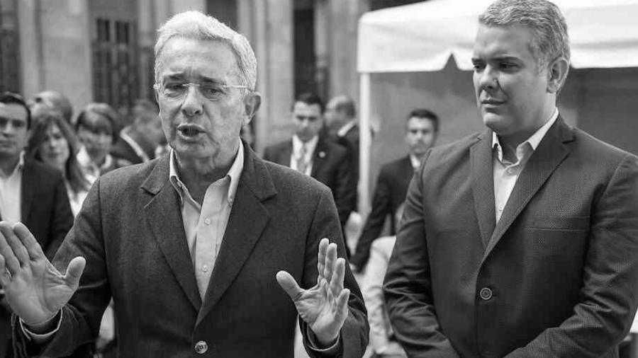 Colombia-Ivan-Duque-Alvaro-Uribe-la-tinta