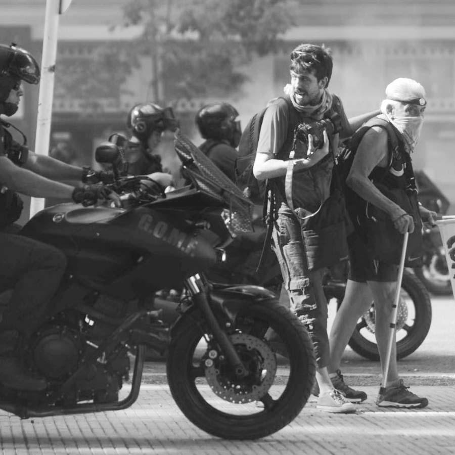 Emmanuel-Fernandez-represion-policia-reforma-previsional-periodista-fotografo